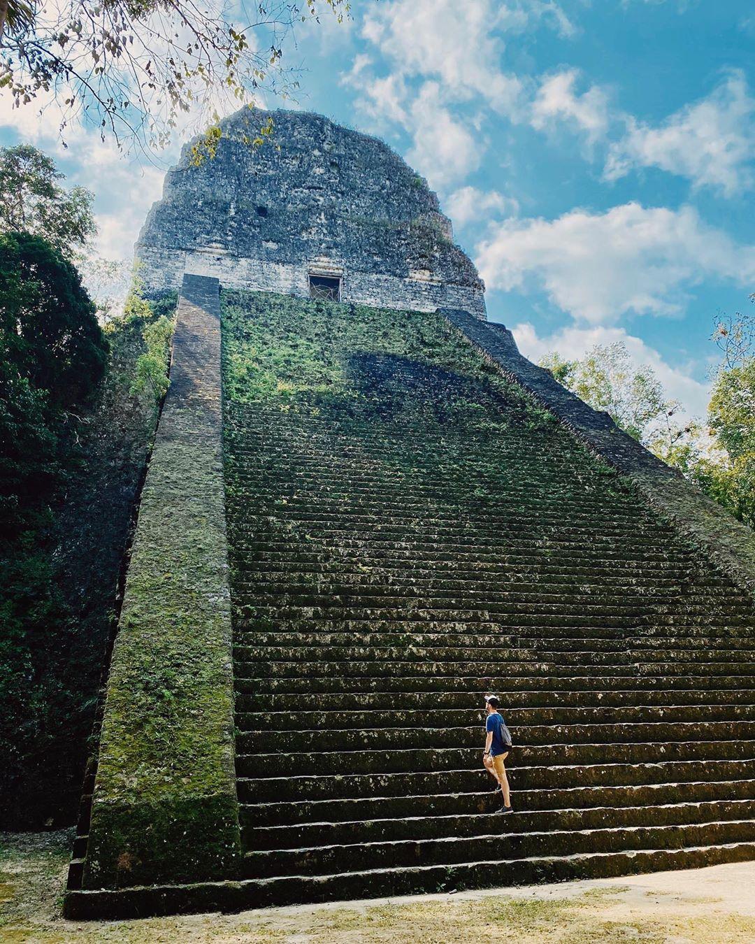 Den ersten Schritt gehen auch wenn man noch nicht die ganze Treppe sehen kann. -…
